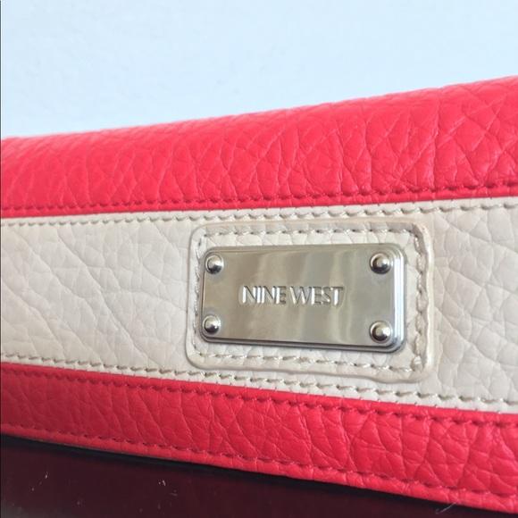 Nine West Handbags - Nine West Wallet Clutch